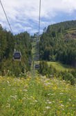 Cableway in the italian Alps — Stock Photo