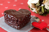 Heart shaped chocolate cake — Stock Photo