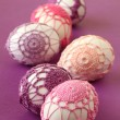 Pink and purple crochet Easter eggs — Stock Photo