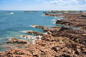 Coast of Brittany in summertime by ebbtide — Foto Stock