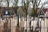 Graveyard in the middle of fishing village Urk, the Netherlands — Stock Photo