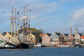 Seafront of Urk, an old Dutch fishing village. — Stock Photo
