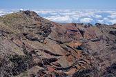 Highest peak with telescope of crater Caldera de Taburiente at L — ストック写真