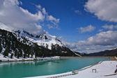 Lago en los alpes austríacos — Foto de Stock