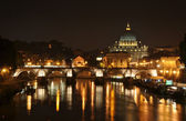 St. Peter basilica at night — Stock Photo