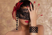 Extravagant Beuty Woman black red — Stock Photo