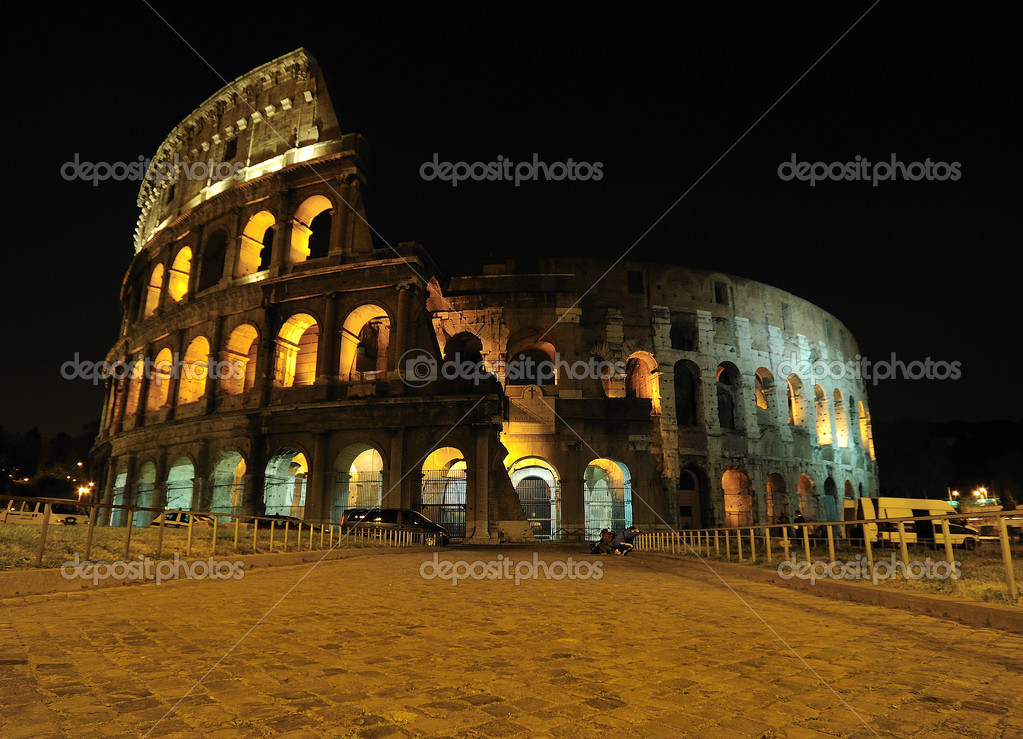 Roman Colosseum, Rome, Italy. — Stock Photo #7500118
