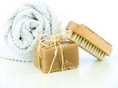 Cepillo de uñas y jabón — Foto de Stock