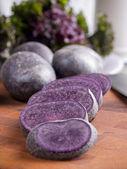 Purple potatoes — Stock Photo