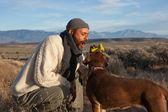 Człowiek z psem — Zdjęcie stockowe
