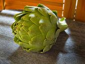 Alcachofa por la ventana de la cocina — Foto de Stock