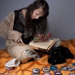 Girl who read the cards — Stock Photo #7488416