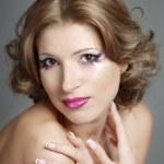 美丽的女人华丽妆 — 图库照片