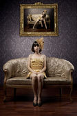 Luxurious glamorous models in gold — ストック写真