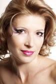 Beautiful woman with gorgeous makeup — Stock Photo