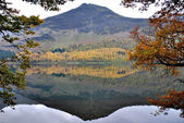 Reflection of a Mountain in a Water in District Cumbria — Stock Photo