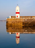 Old Lighthouse with Sea Water Reflection — Stock Photo
