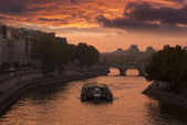 Paris view of the river Seine a sunset — Stock Photo