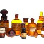Alte Apotheke-Flaschen — Stockfoto