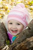 Little girl in autumn — Stock Photo