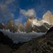 Fitz roy peak and range at sunrise, los glaciares national park, — Stock Photo