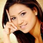 Fashion hispanic woman portrait — Stock Photo #7568446