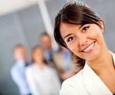 Donna d'affari presso l'ufficio — Foto Stock