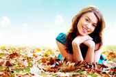 Autumn girl portrait outdoors — Stock Photo