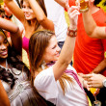 vänner i en bar — Stockfoto