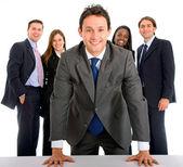 Homme d'affaires qui dirige une équipe — Photo