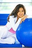 Retrato de mujer de gimnasio — Foto de Stock