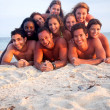 Friends at the beach — Stockfoto