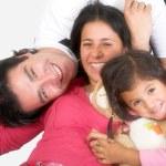 lycklig latinamerikanska familj — Stockfoto