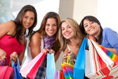 Freunde shopping — Stockfoto