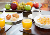 Complete healthy breakfast — 图库照片