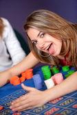 Vrouw in een casino — Stockfoto