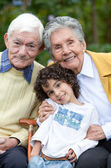 Criança e avós — Fotografia Stock