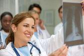 Médico de xray — Fotografia Stock