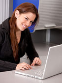 Online business woman — Stock Photo