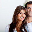 beau couple souriant — Photo