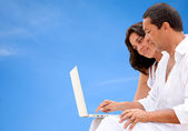 Couple with a laptop — Foto de Stock