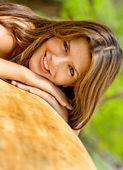 Piękne kobiety na zewnątrz — Zdjęcie stockowe