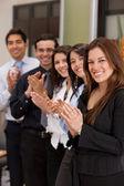 Negocios grupo aplaudiendo — Foto de Stock