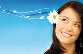 Donna con un fiore — Foto Stock