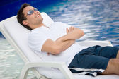 Casual man on vacation — Stock Photo