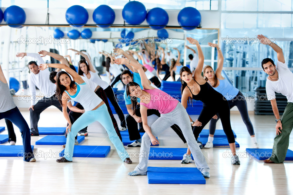 Group of gym in an aerobics class — Stock Photo #7732373