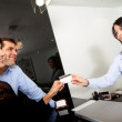 Custumers paying at the hotel — Stock Photo