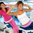 Women exercising at the gym — Stock Photo