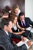 Trabajo en equipo negocio feliz — Foto de Stock