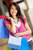 Vacker shopping kvinna — Stockfoto
